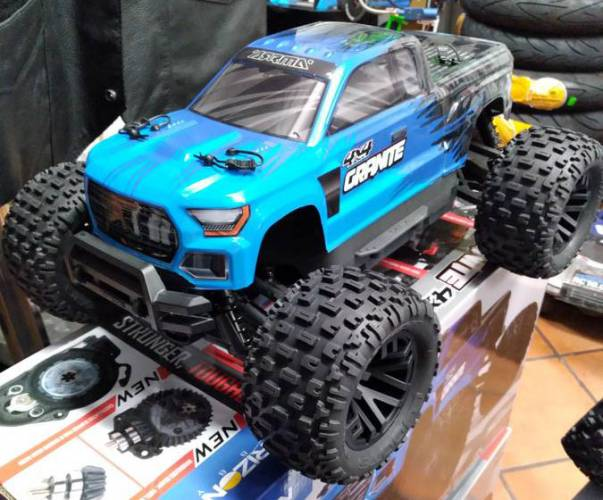 Arrma Granite 4 x 4 monster truck brushed Electric Truck